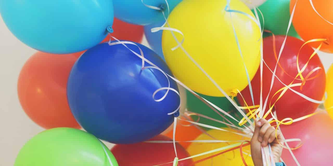 8 beliebte Geburtstagsspiele für drinnen