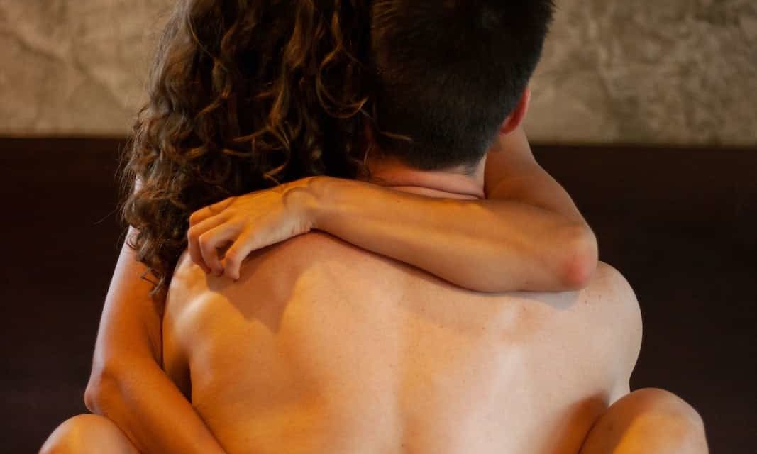 Sex zu Corona-Zeiten: 6 Tipps wie ihr eure Liebe wieder entflammt